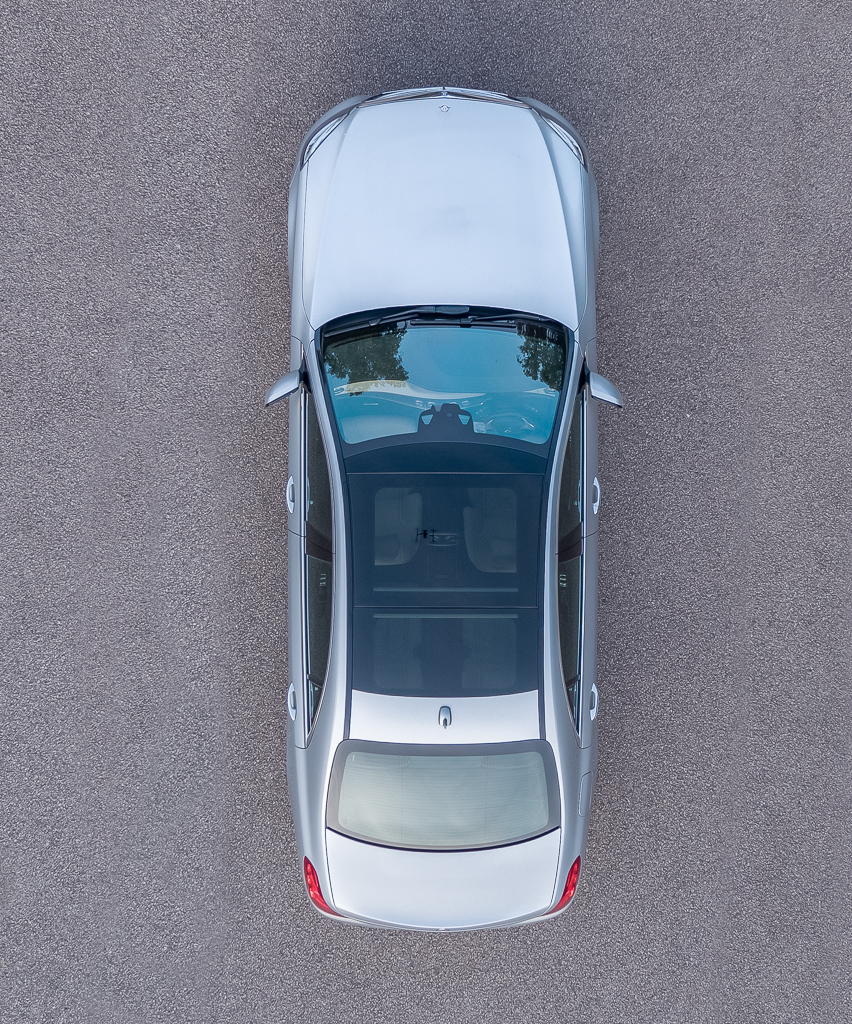merc-sclass-pano-roof-1-of-1